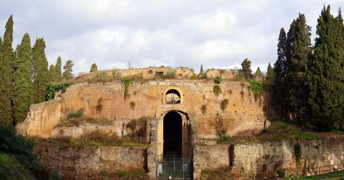 アウグストゥス廟の画像 p1_32