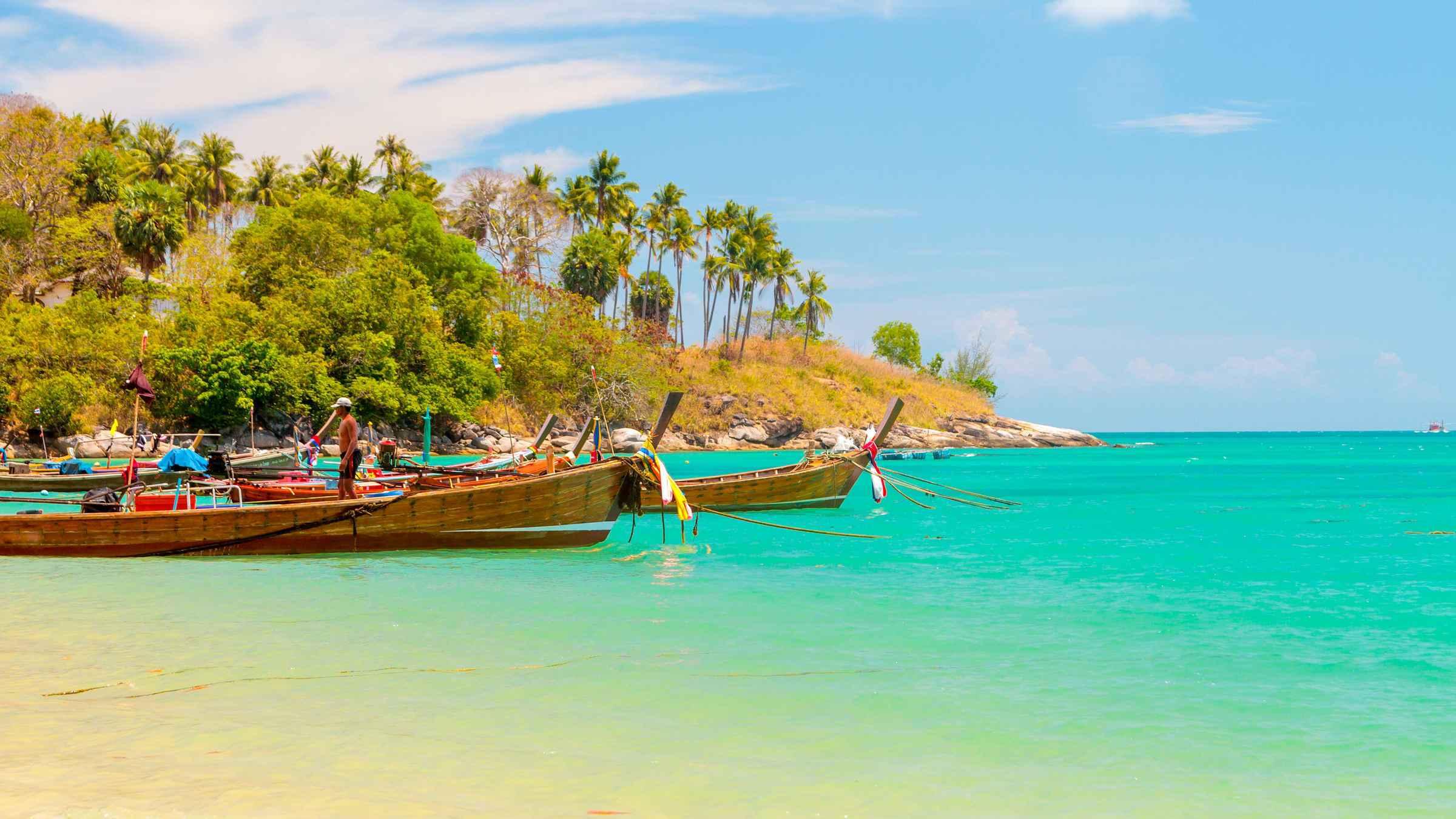 From Phuket: Phang Nga Bay Sunrise Tour by Speedboat & Canoe