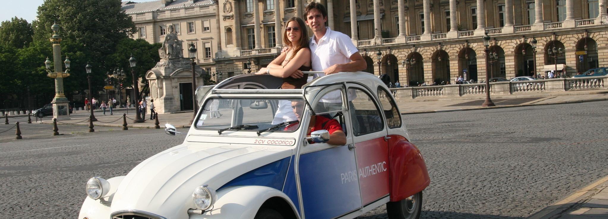 Classic, Romantic Paris: 3-Hour Vintage 2CV Tour