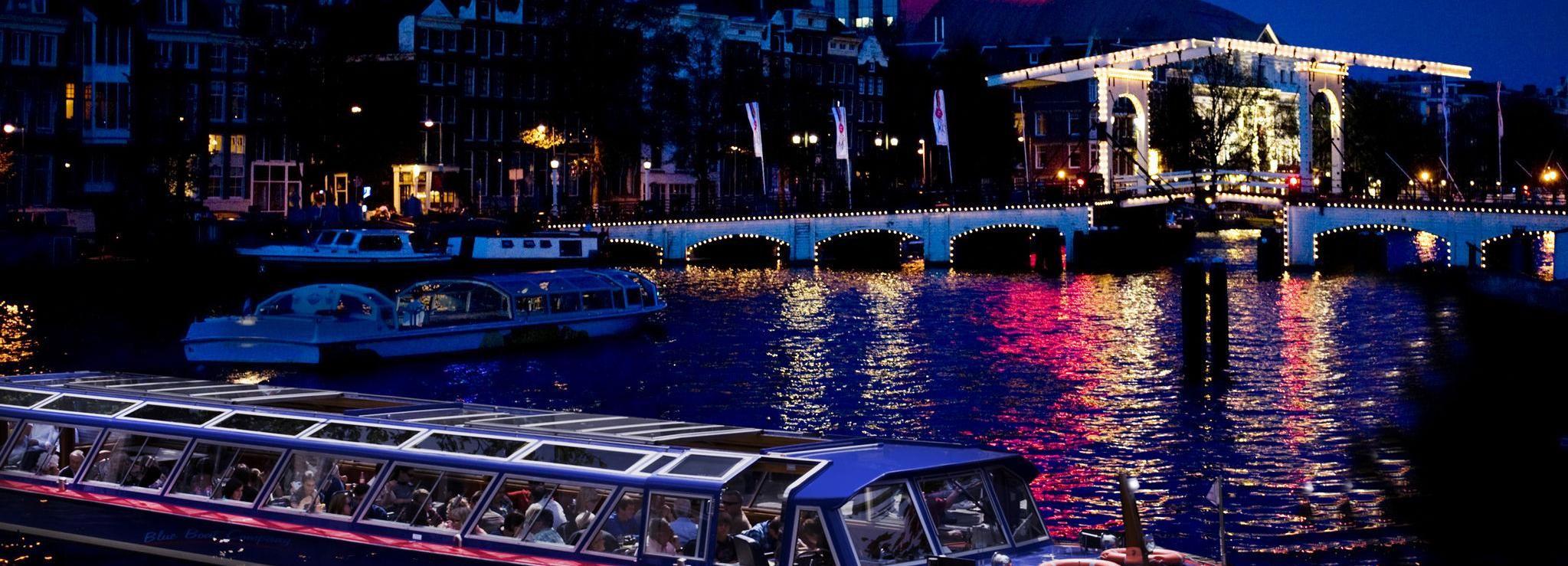 Amsterdam: 1,5-stündige abendliche Kanalbootsfahrt