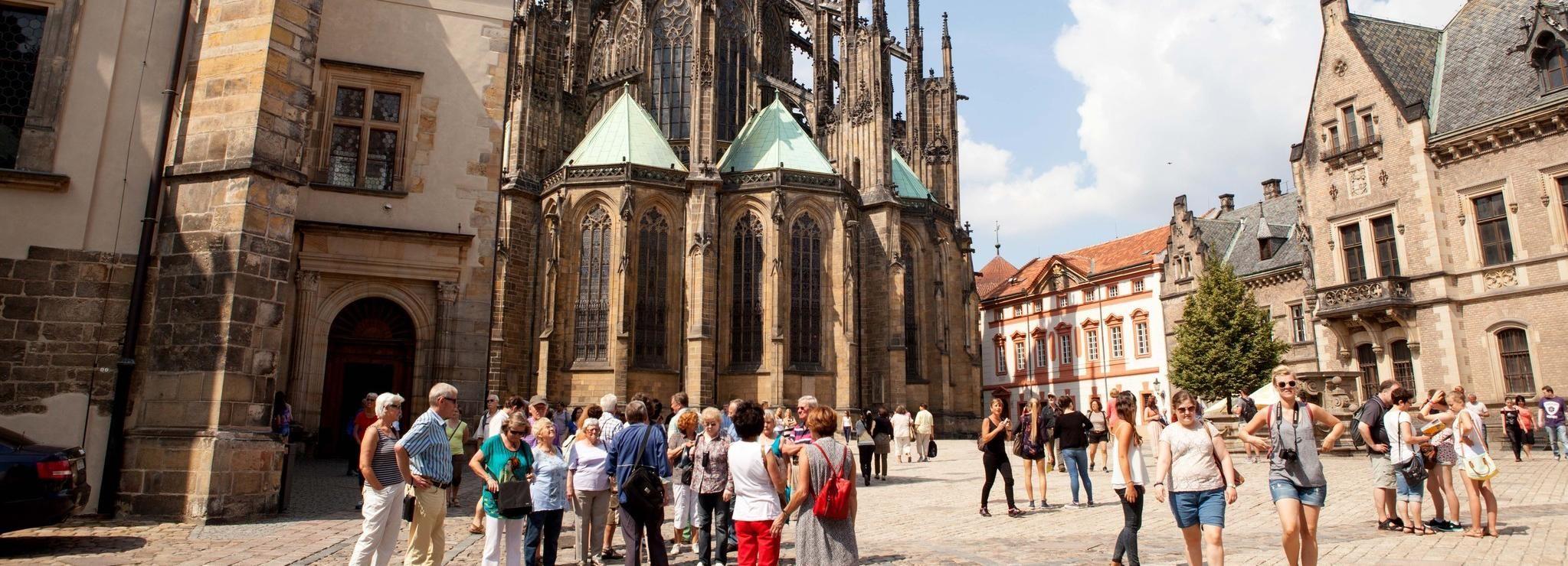Tour de 3 horas por la ciudad de Praga con Cambio de Guardia