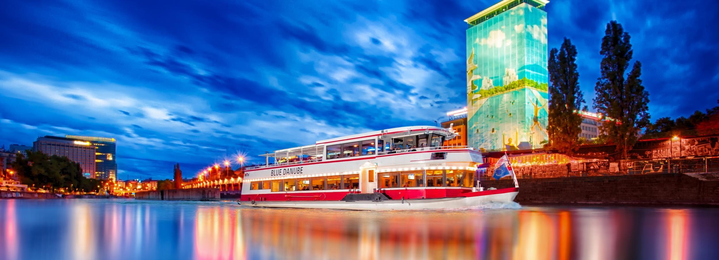 Vienna: tour in barca di 1 ora sul Canale del Danubio