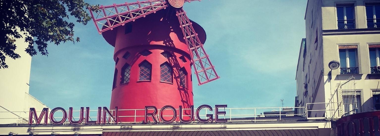 Paris: 1-Hour Vintage Citroen 2CV Tour