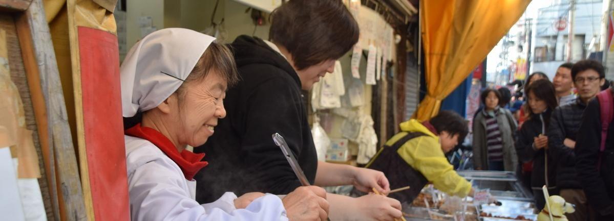 Tokio: Lokale Food-Tour auf der Sunamachi Ginza Street
