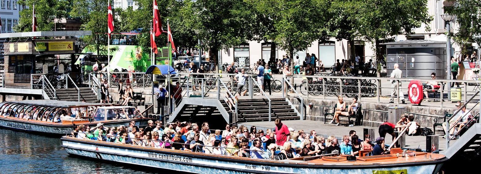 Copenaghen: tour dei canali e accesso prioritario al Tivoli