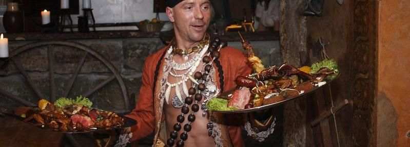 Praag: middeleeuws diner met vervoer