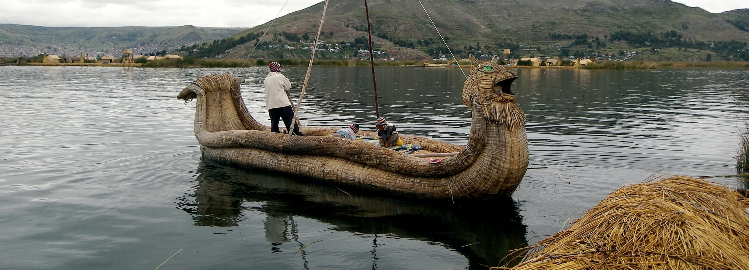 From Puno: 3-Hour Uros Floating Islands Tour
