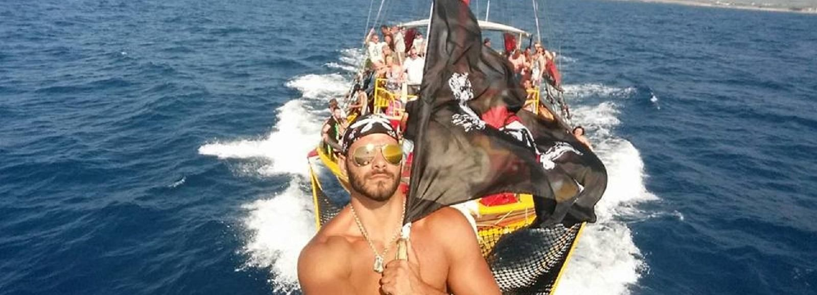 Black Rose Pirate Boat: 5-Hour Trip from Heraklion