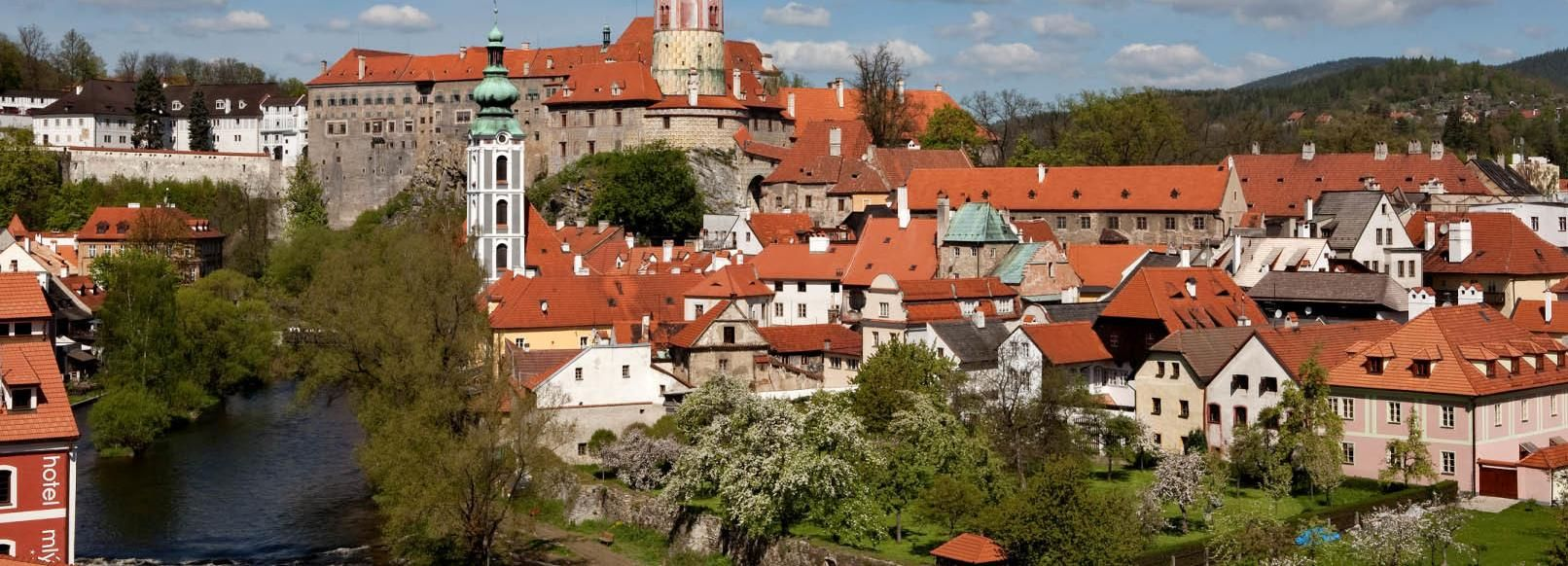 From Prague: Full-Day Cesky Krumlov Tour by Coach