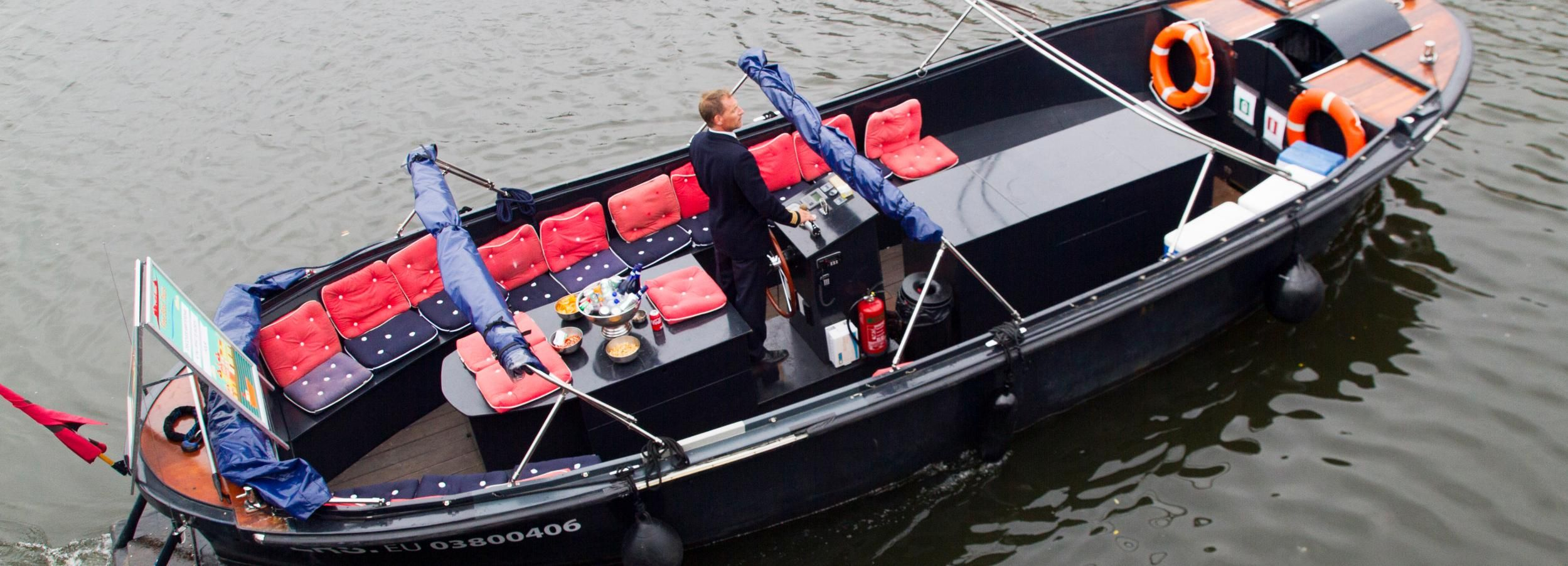 Amsterdam: 3-Hour Private Beer Bike & Beer Boat Package