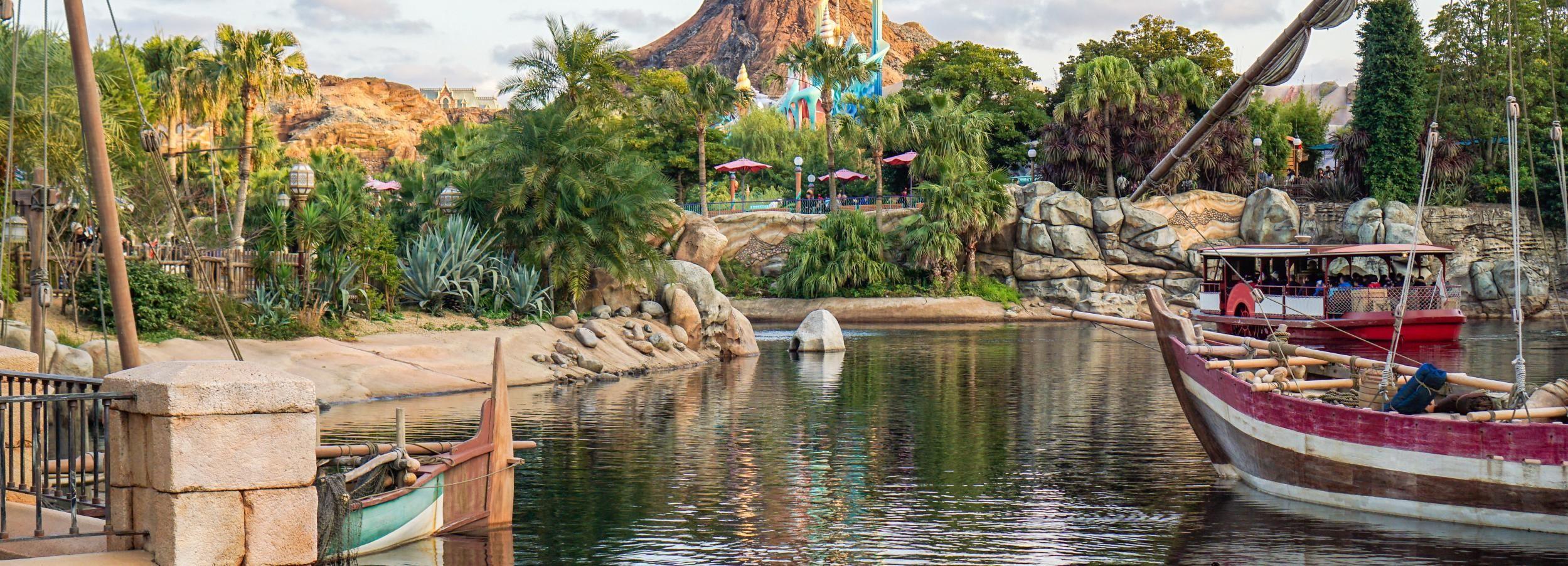 Tokyo Disneyland oder DisneySea: Ticket und Transfer