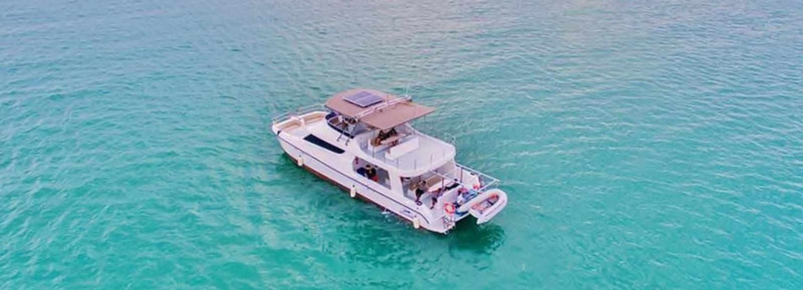 From Phuket: Phi Phi & Maiton Islands Day Trip by Catamaran
