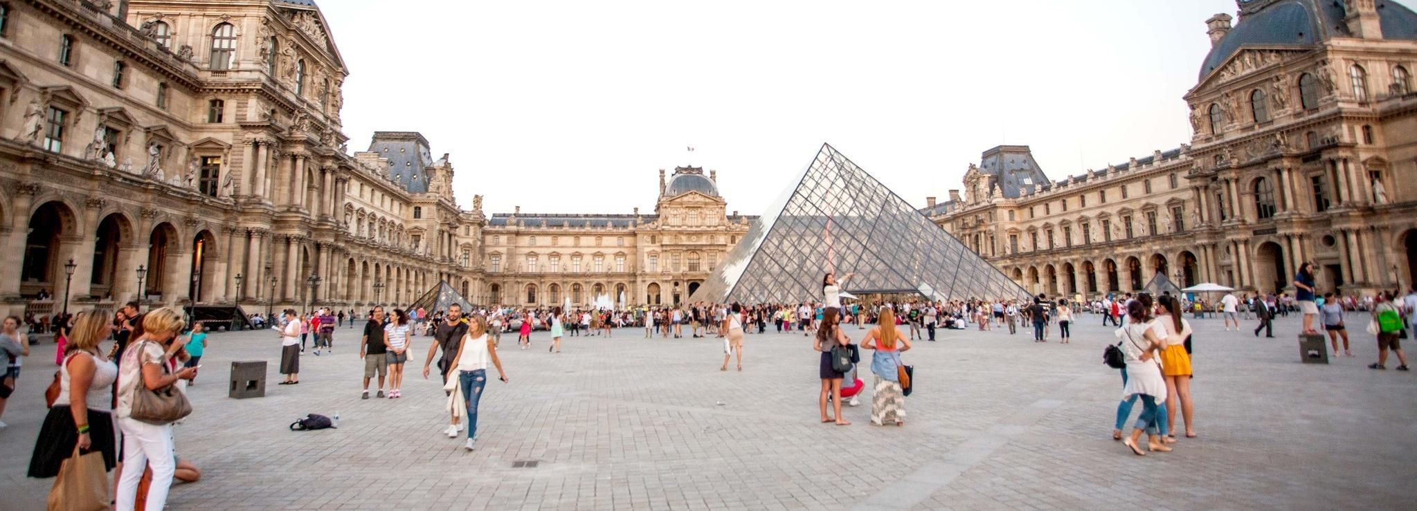 Louvre Museum: 3-Hour Comprehensive Tour with Skip the Line