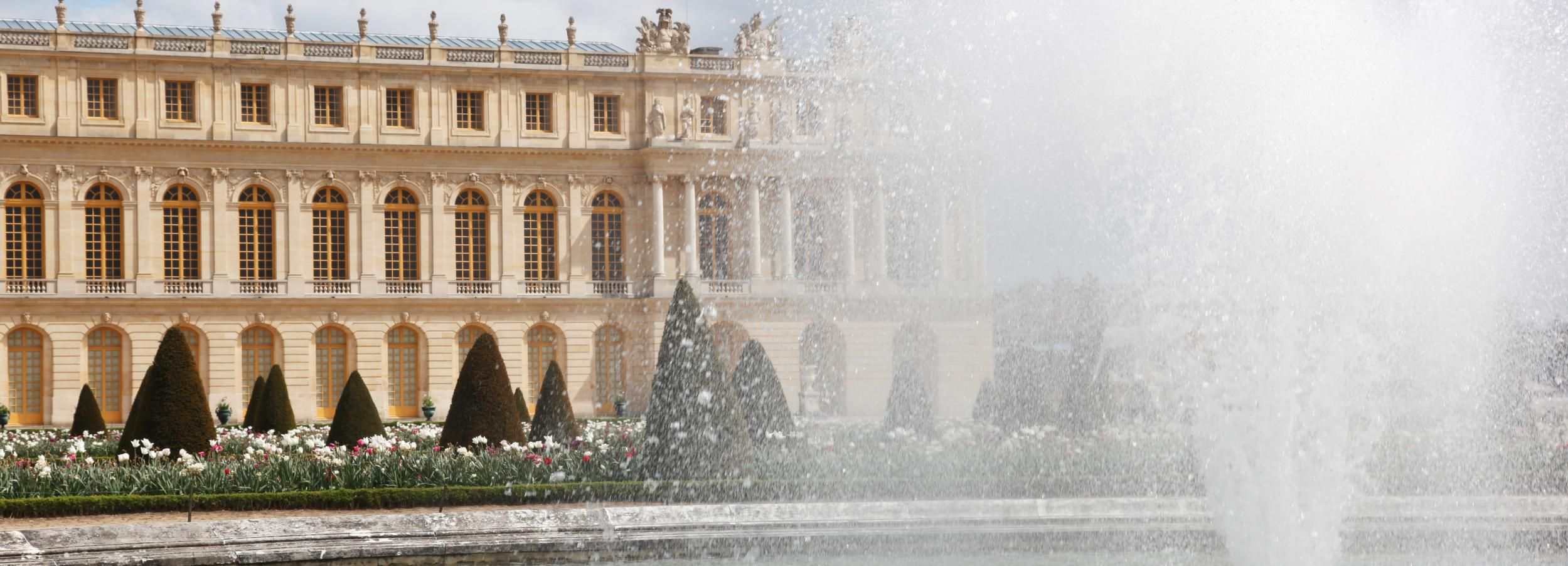 From Paris: Skip-the-Line Versailles Palace and Gardens Tour