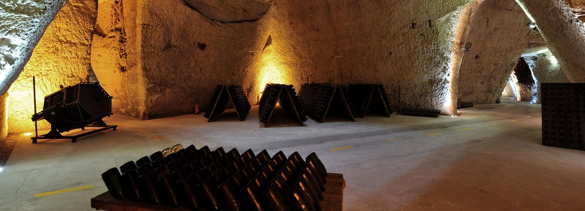 Reims: Veuve Clicquot & Family Winery Group Full-Day Tour
