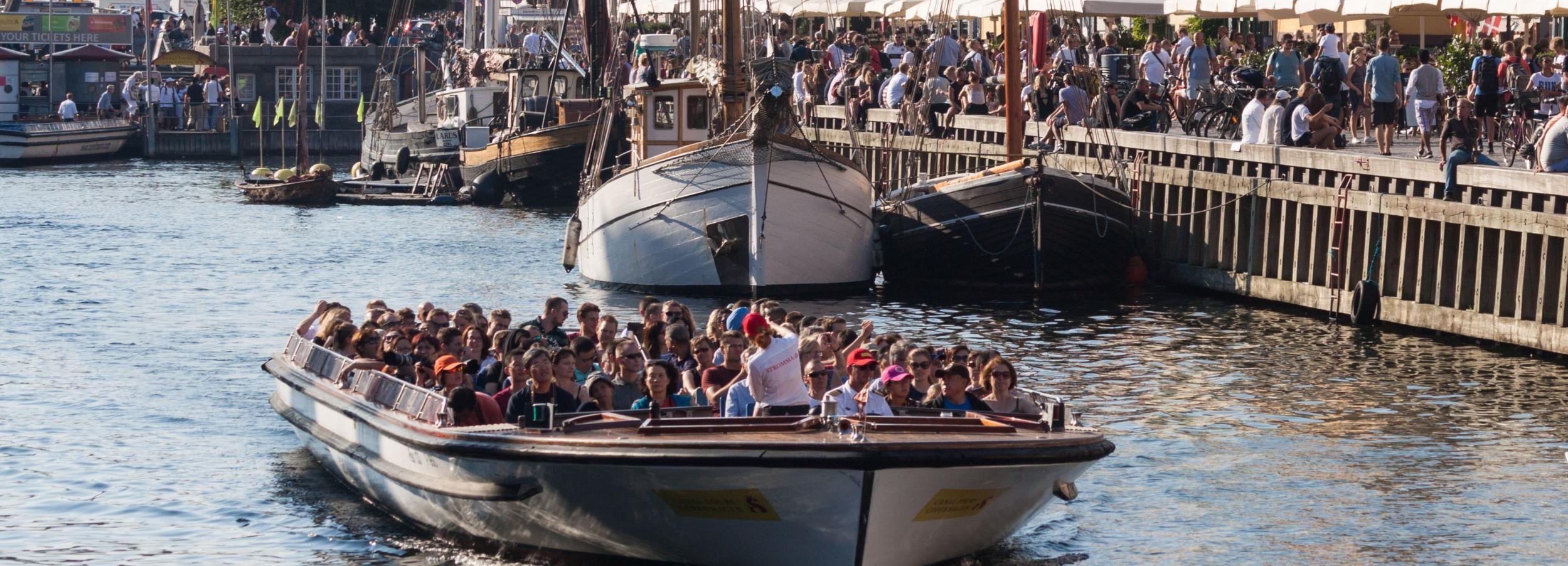 Copenaghen: crociera sui canali da Ved Stranden o Nyhavn