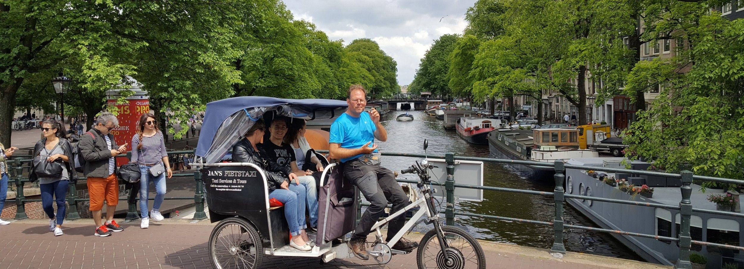 Amsterdam: 2-Hour Sightseeing Tour by Rickshaw