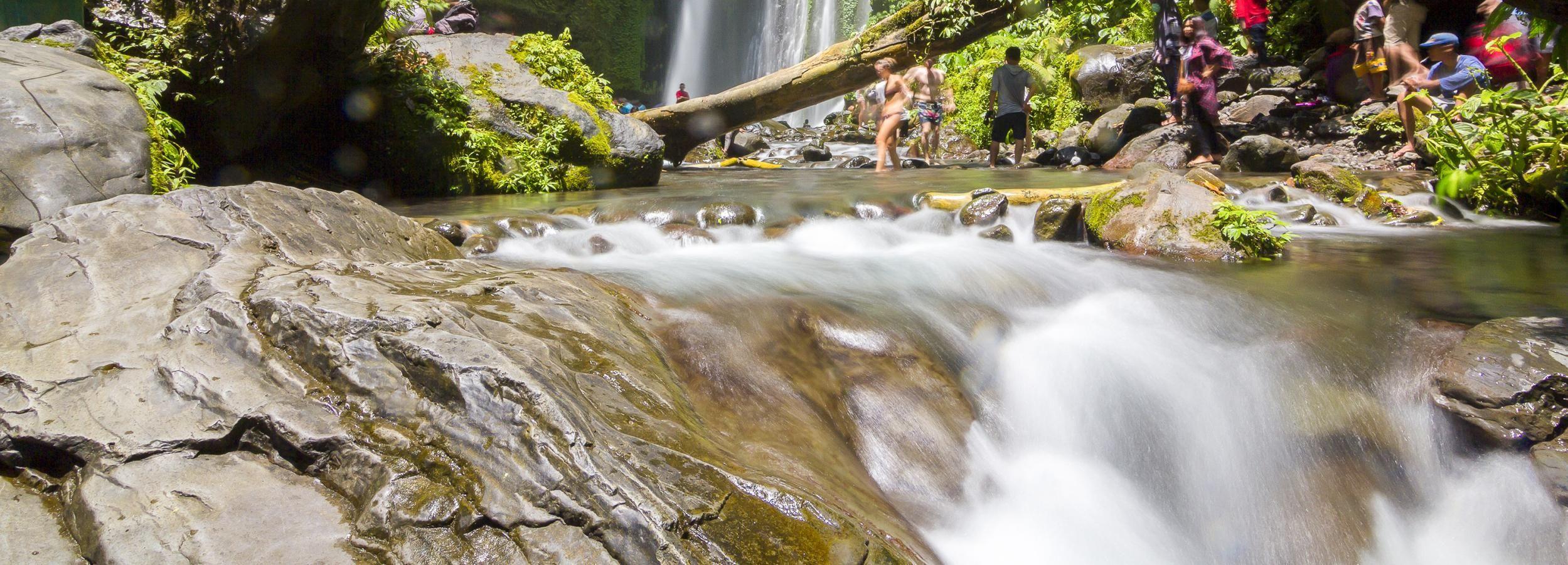 Lombok: Benang Kelambu und Benang Stokel Wasserfall-Treck