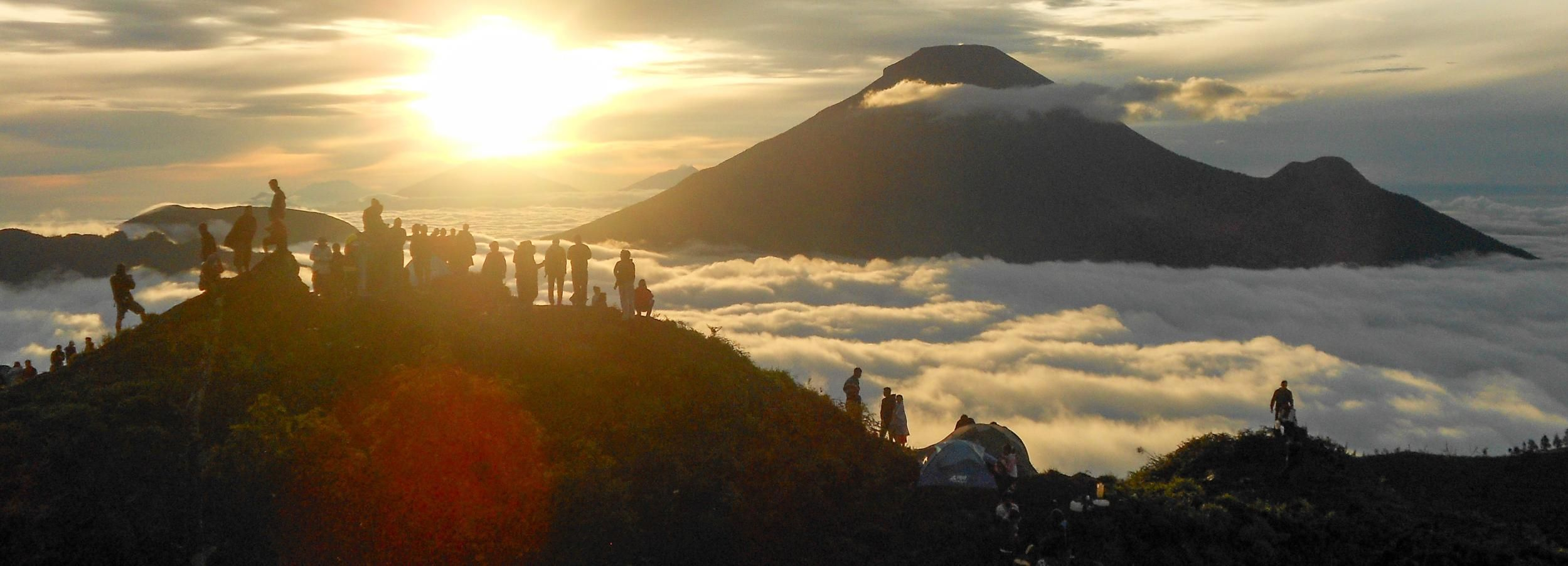 From Yogyakarta: Dieng Plateau Golden Sunrise Trip