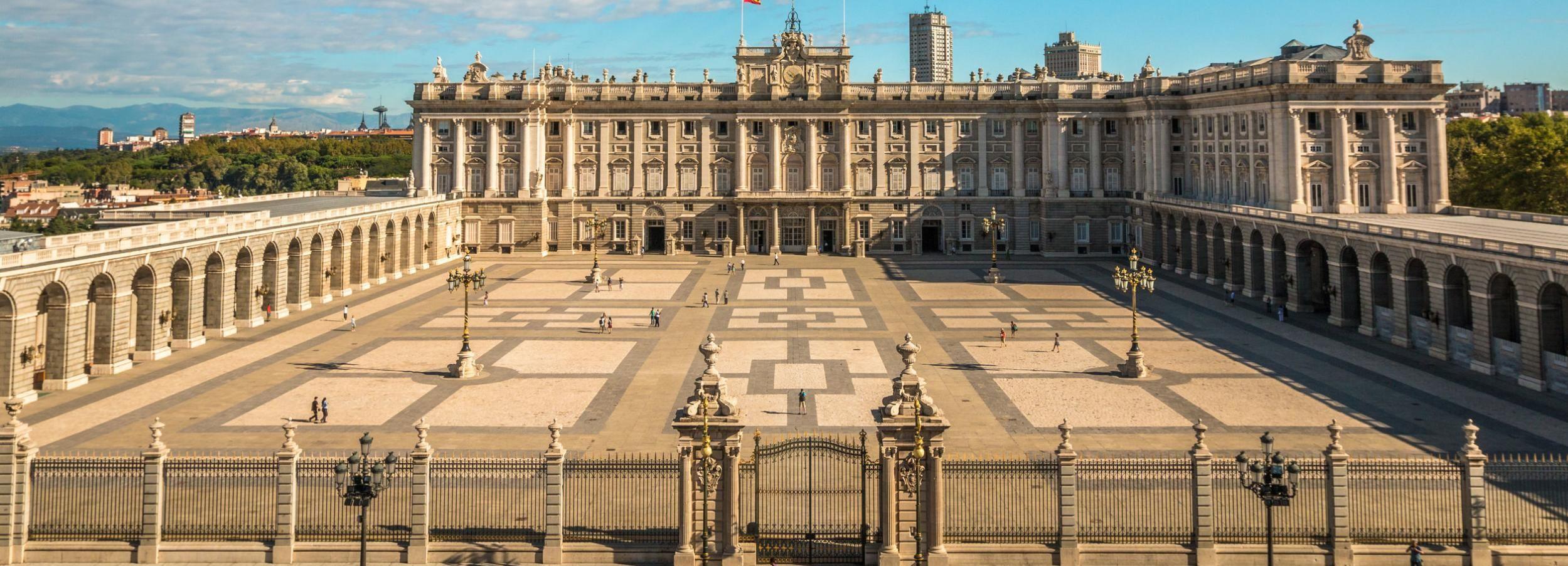 Palais royal de Madrid: billet coupe-file et visite guidée
