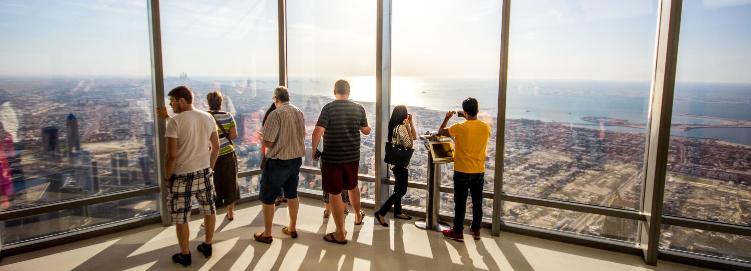 Burj Khalifa: 124e et 125eétages au crépuscule