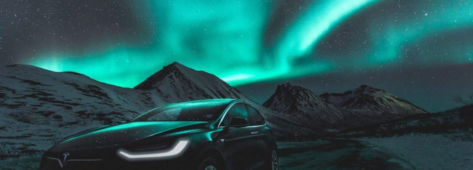 Tromso: Northern Lights x Tesla Experience