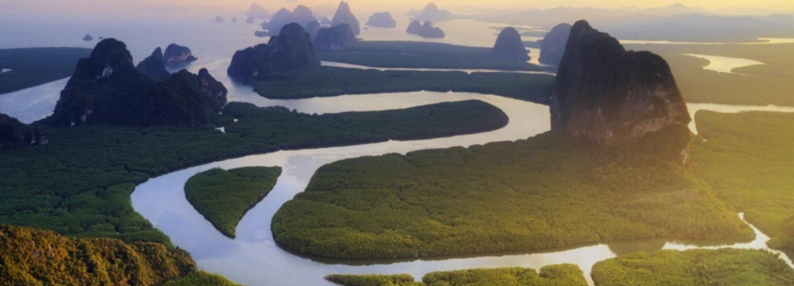 Phuket: Chárter privado de día completo en la bahía de Phang Nga