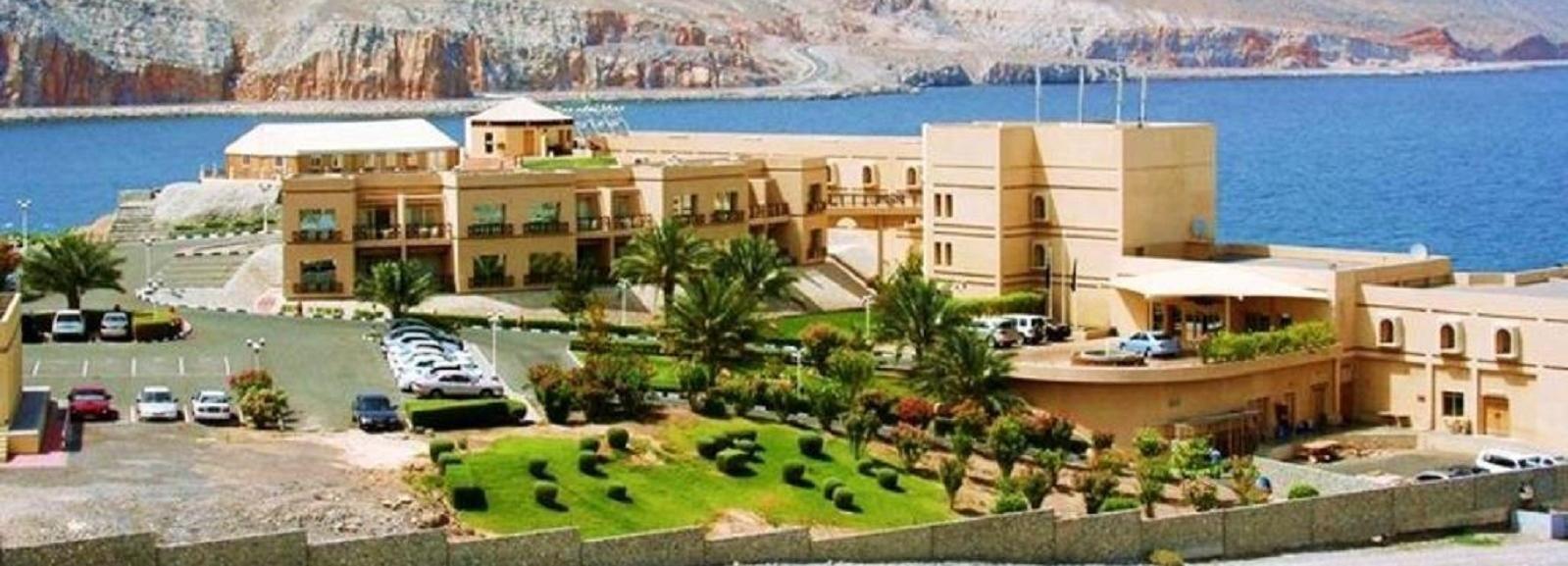 Khasab: Private City Tour and Wadi Qadah