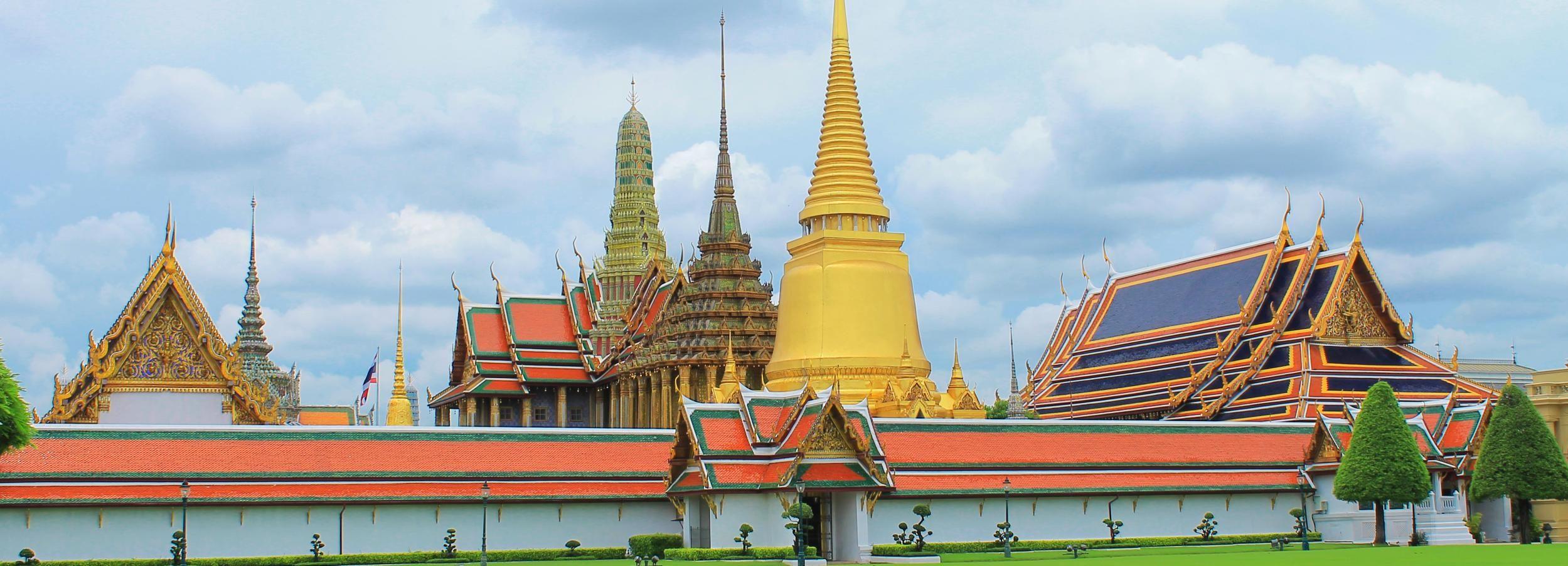 Bangkoks Highlights: Tempel, Langheckboot-Tour & Mittagessen