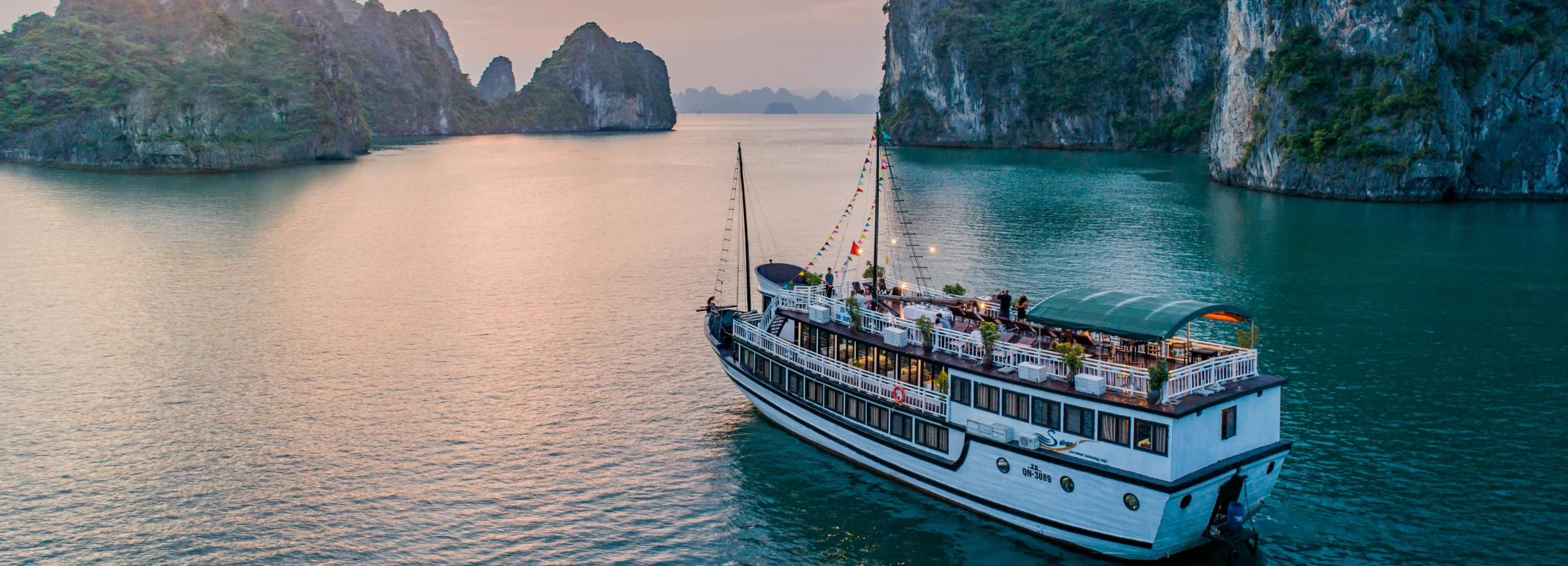 Pristine Bai Tu Long Bay 3-Day w/ Swan Boutique Cruise 4*