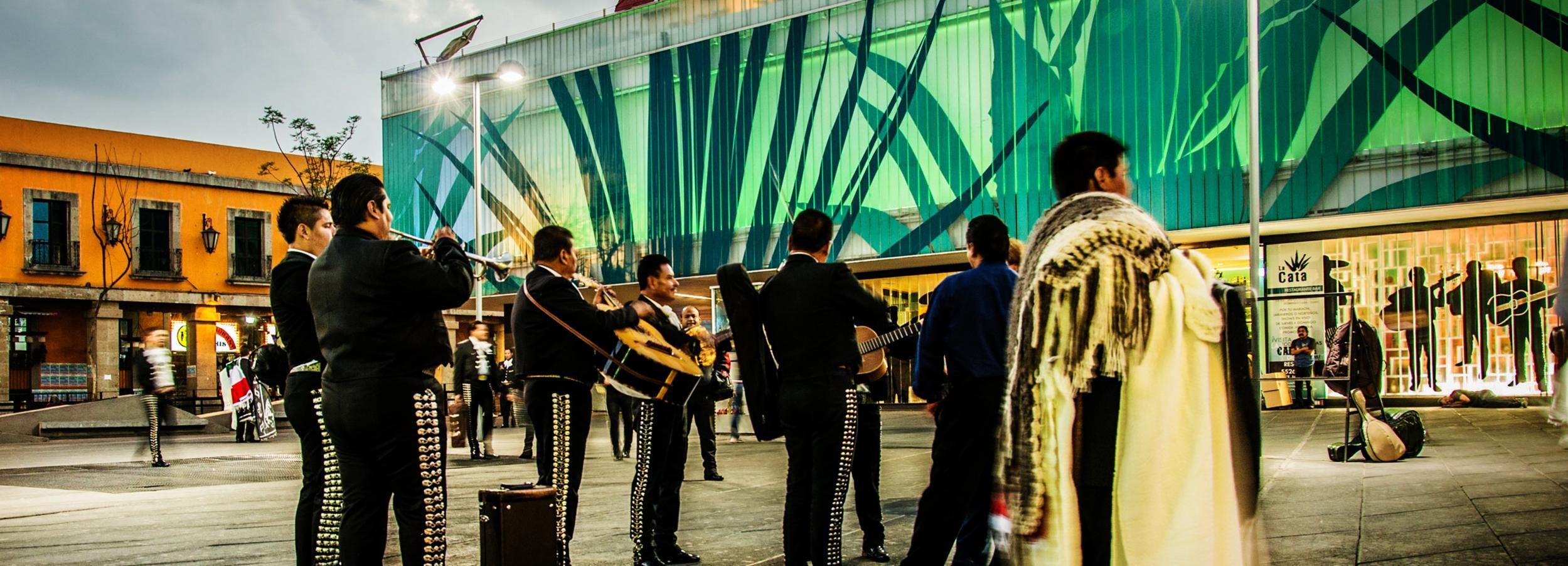 Ciudad de México: tour nocturno de la plaza Garibaldi y cena