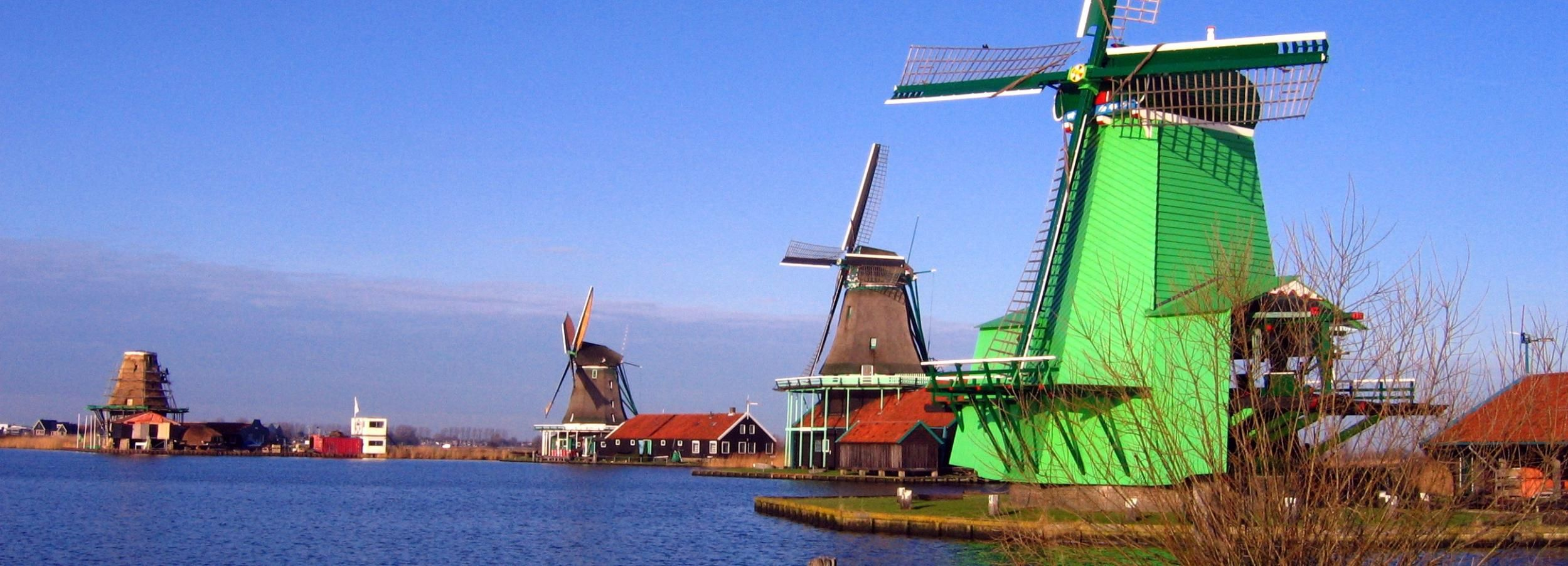 From Amsterdam: Small Group Zaanse Schans and Volendam Tour
