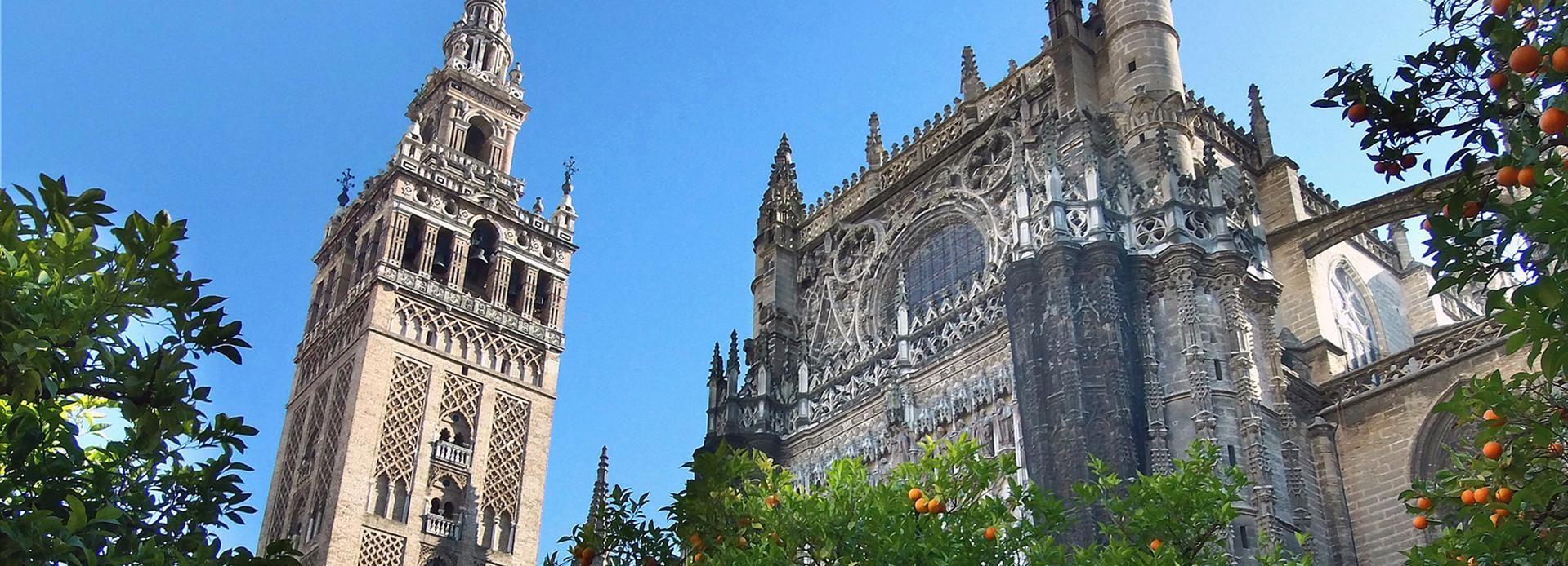 Sewilla: Wycieczka z przewodnikiem z wejściem do katedry i Giraldy