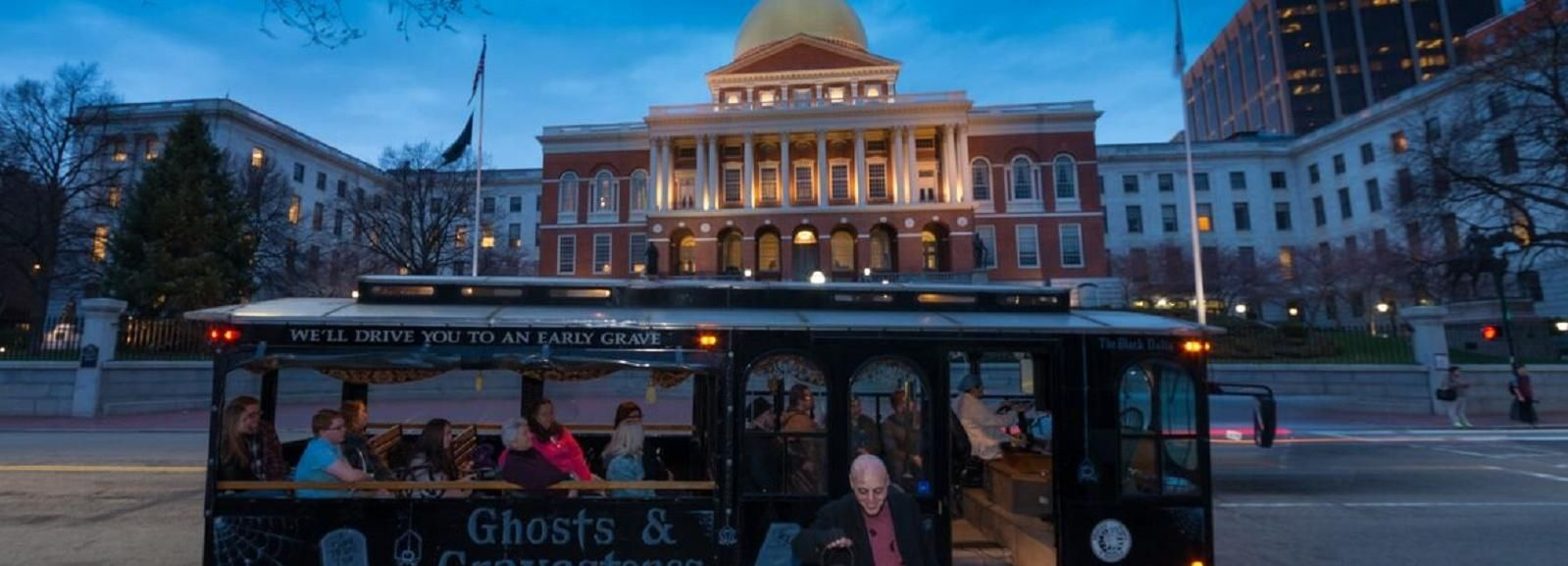 Boston: 1.5-Hour Ghosts and Gravestones Tour