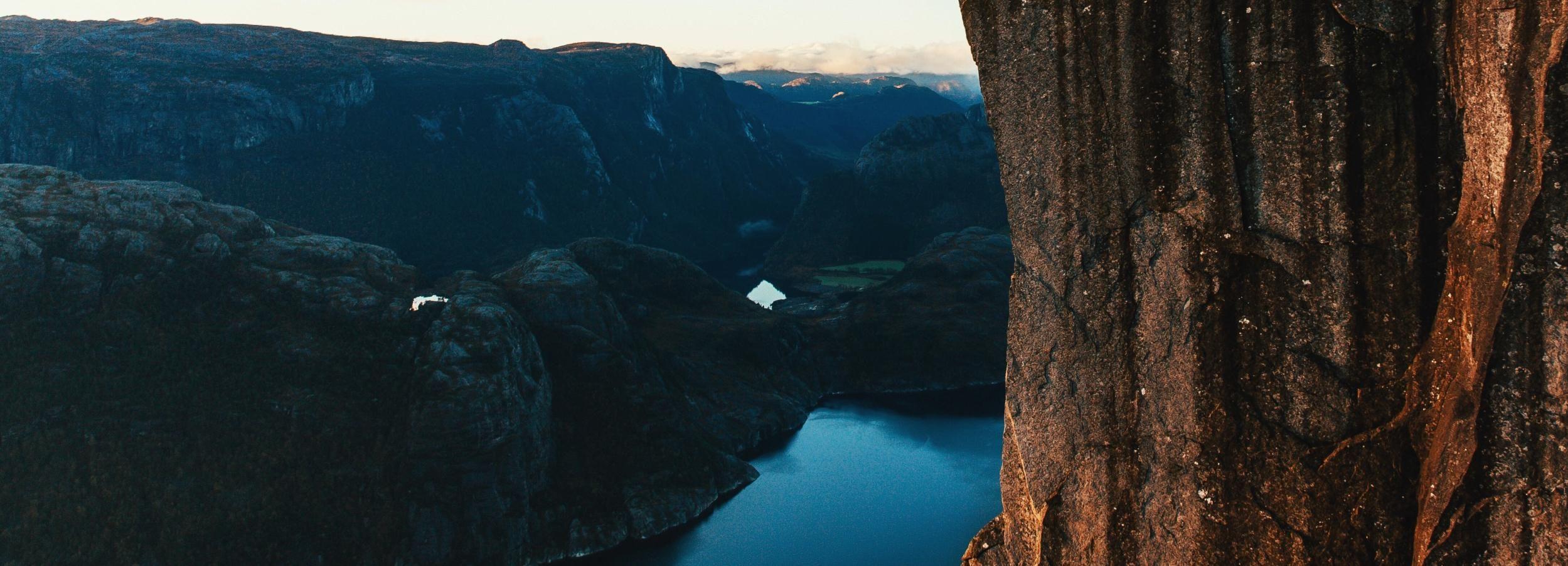 From Stavanger: Preikestolen (Pulpit Rock) Guided Hike