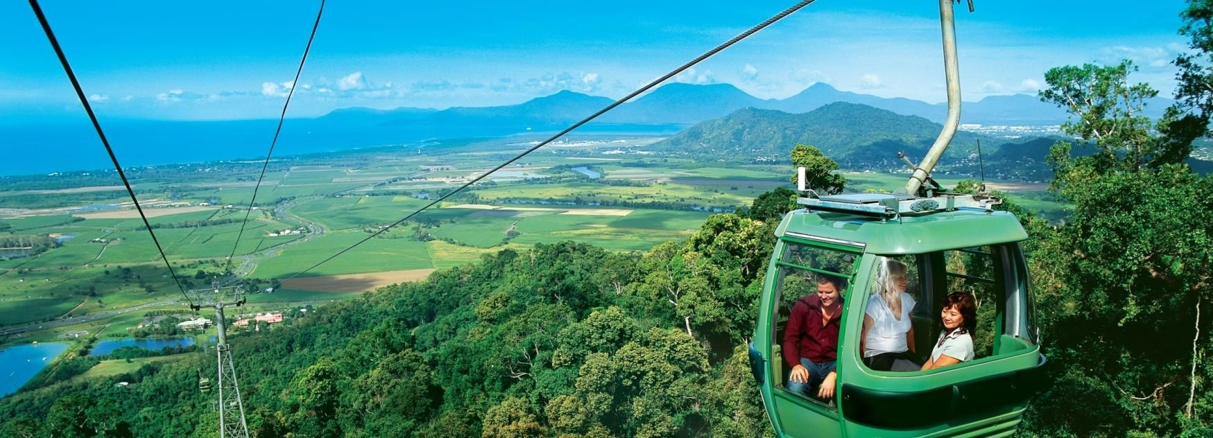 Cairns Day Tour: Green Island and Kuranda Skyrail & Train