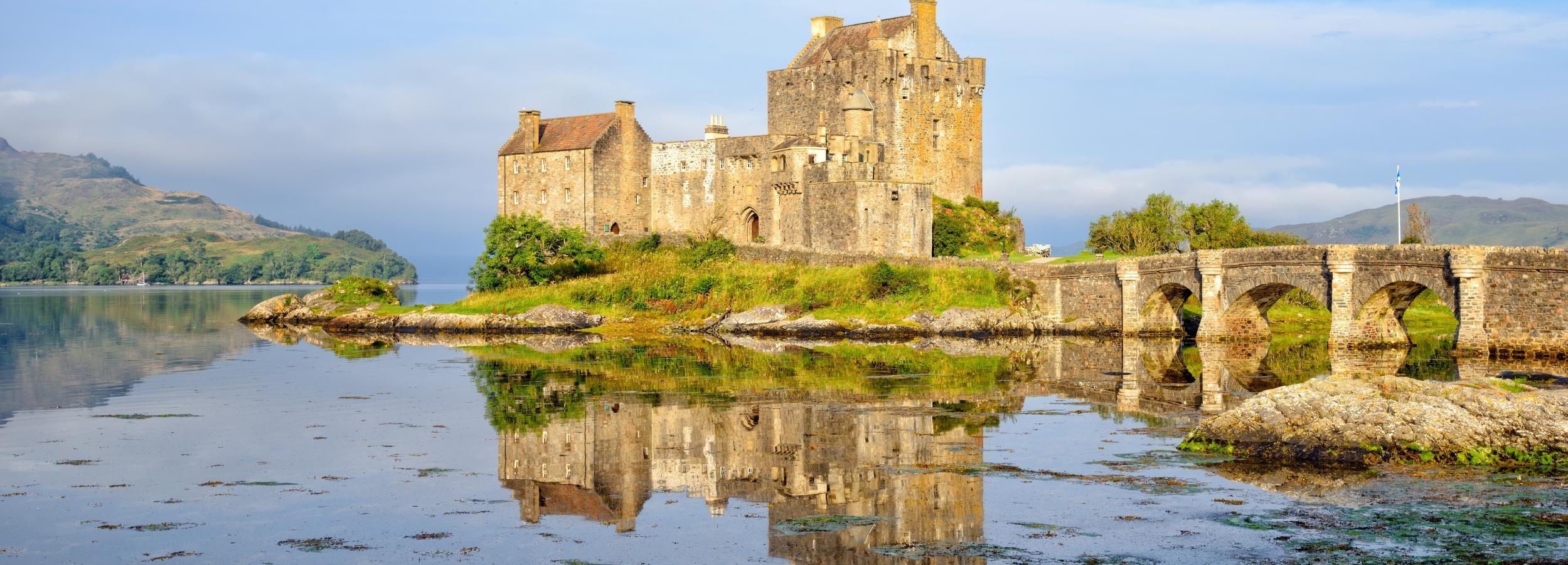 Isla de Skye y castillo de Eilean Donan desde Inverness