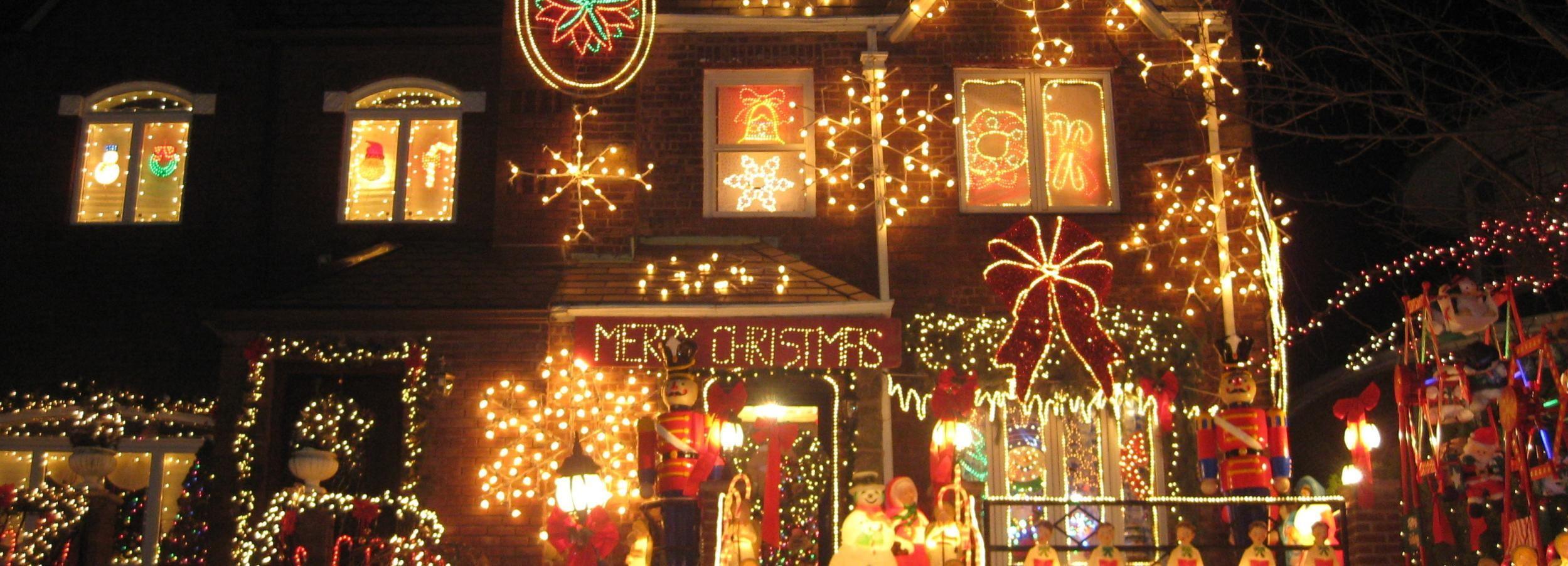 From Manhattan: 3.5-Hour Brooklyn Christmas Magic Tour