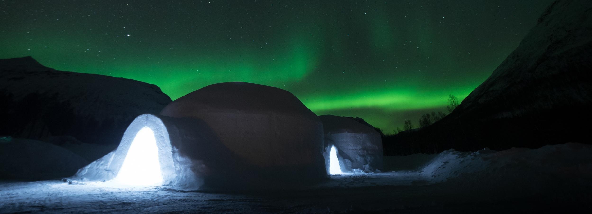 Tromsø: overnachting Ice Domes Hotel, maaltijden en vervoer