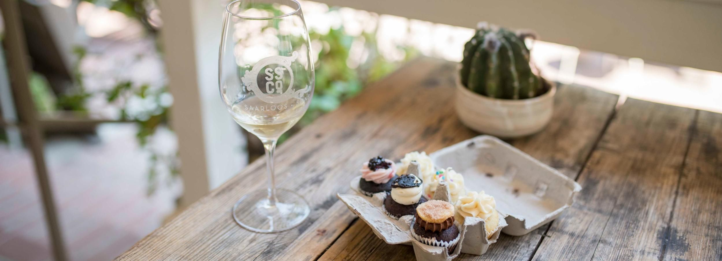 Santa Barbara: Cupcake and Wine Tour