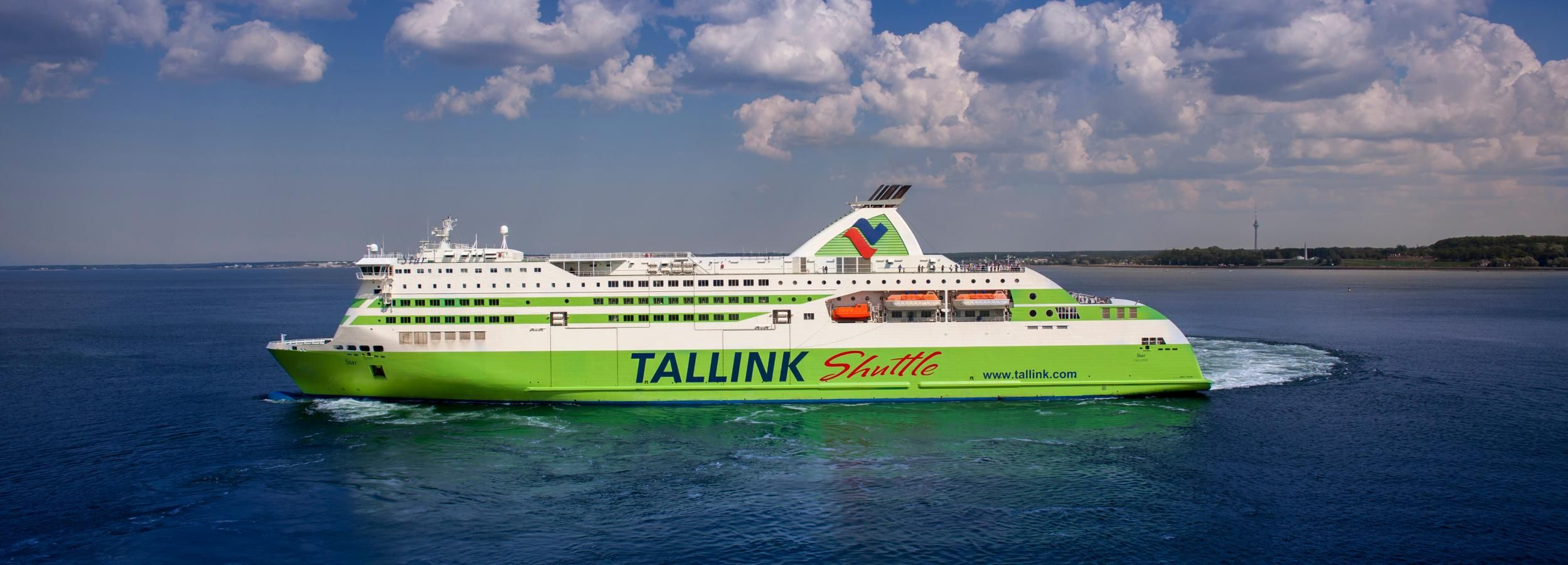 From Helsinki: Return Day Trip Ferry Ticket to Tallinn