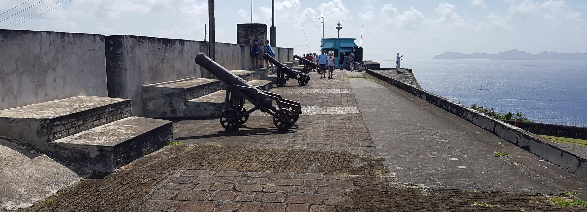 Kingstown: Sightseeing Tour and Beach Package