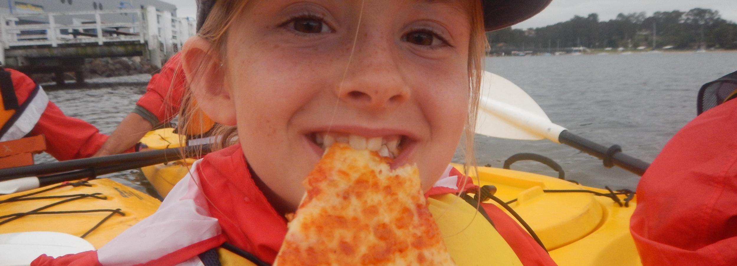 Pizza Paddle - Dinner Kayak Tour in Batemans Bay