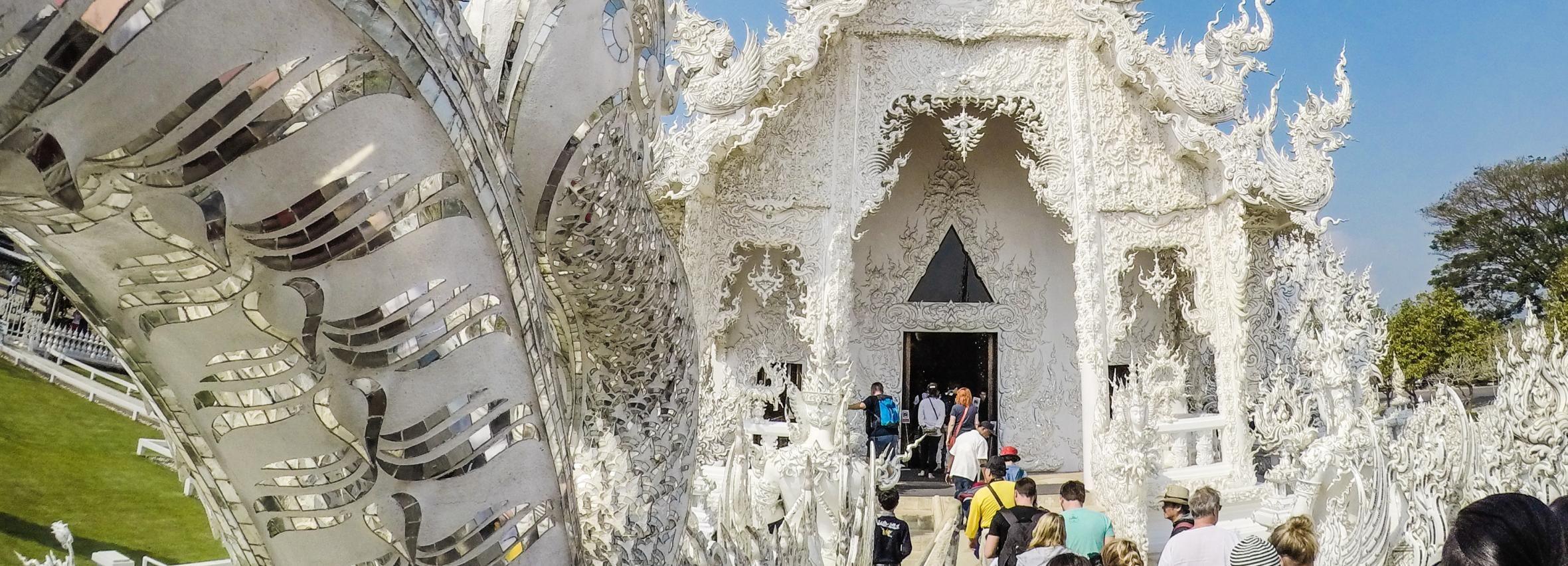 Chiang Rai: Templo blanco privado de 2 días y triángulo dorado