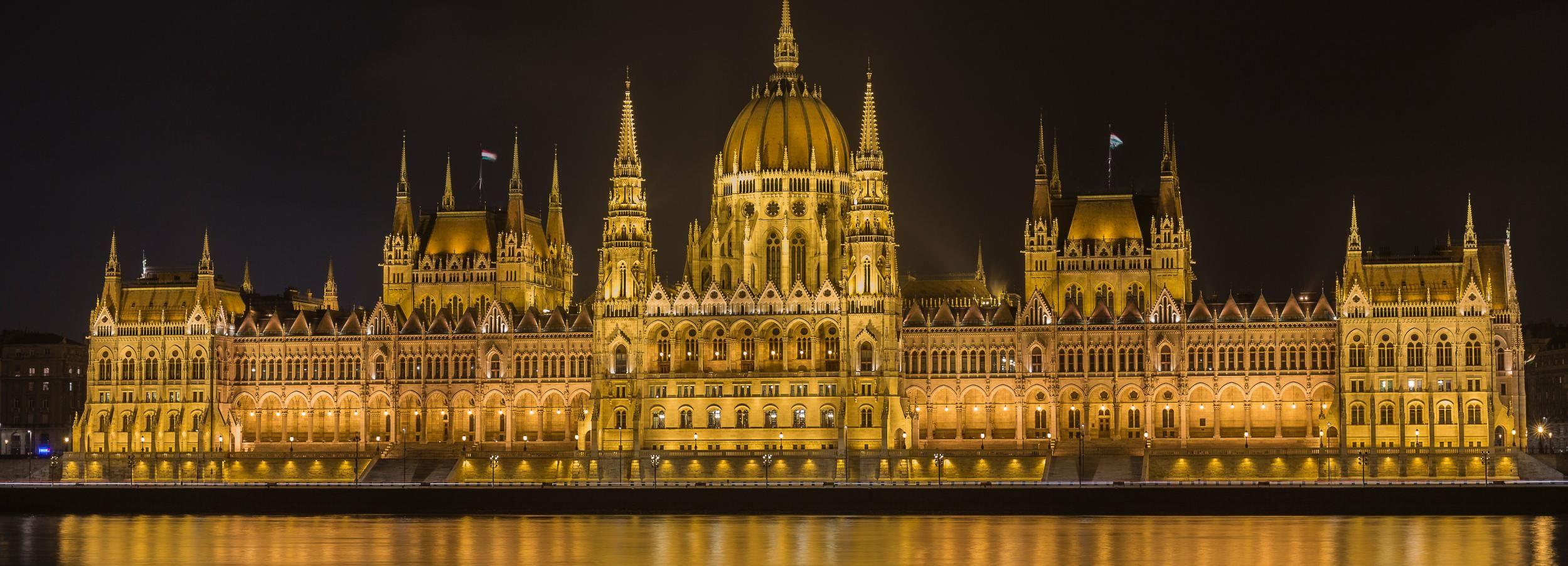 Budapest: 2-stündiger Nachtrundgang in Kleingruppe