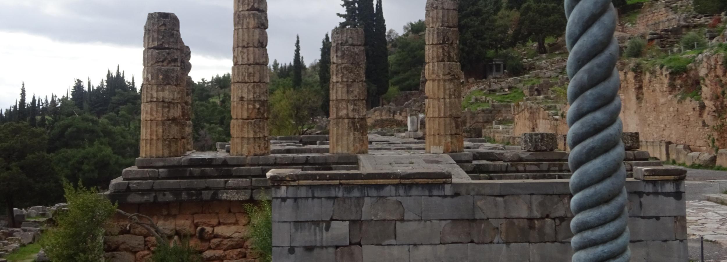 Desde Atenas: tour de 2 días a Delfos con hotel 4 estrellas