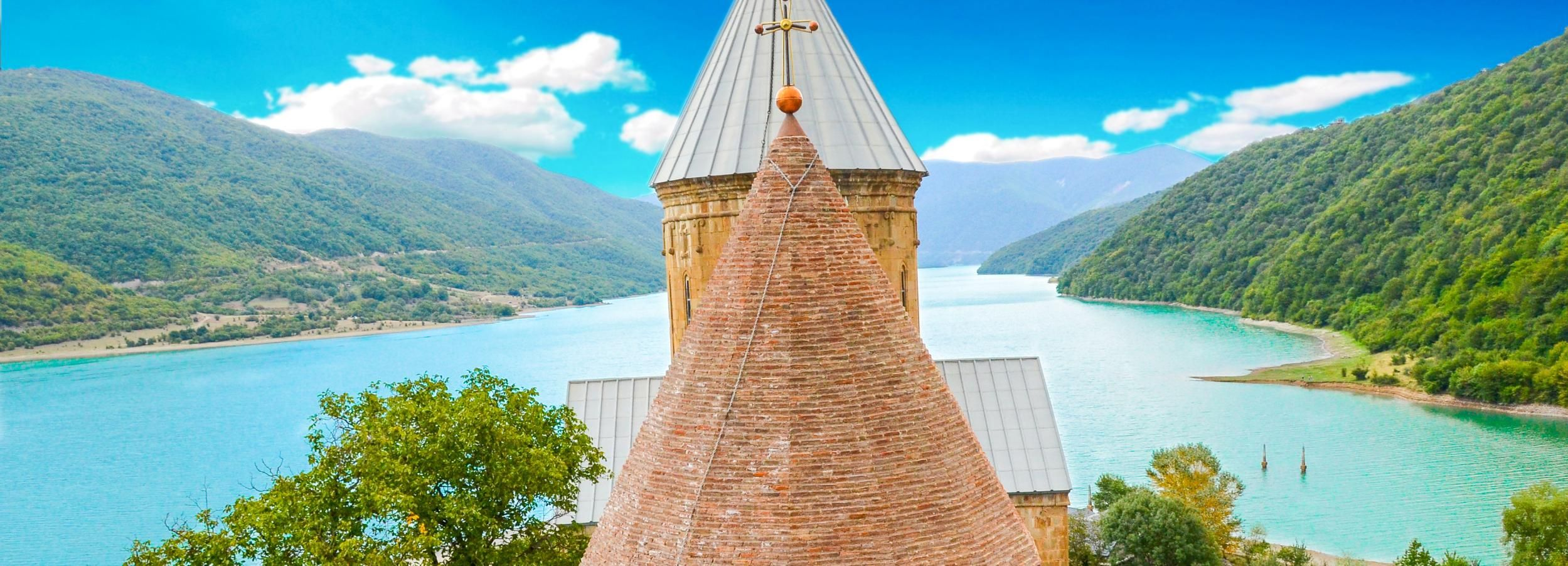 Tbilisi: Full Day Private Guided Tour to Kazbegi