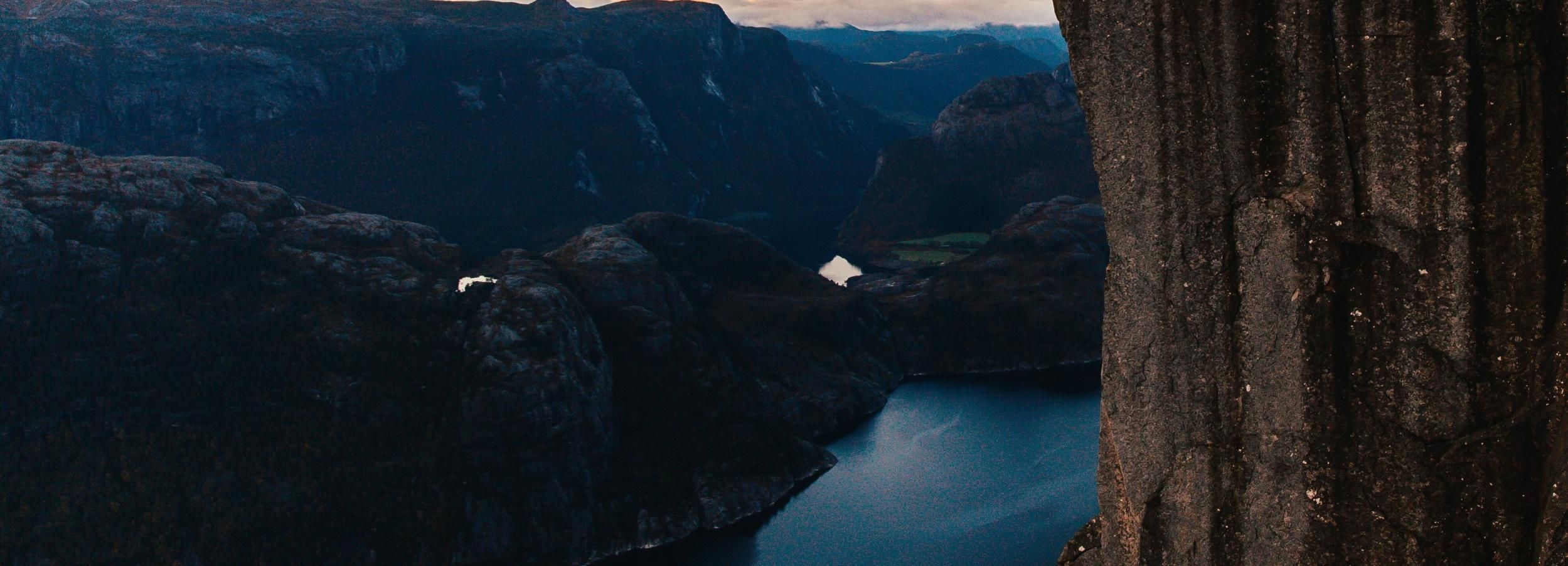 Stavanger: Guided Sunrise Hike to Pulpit Rock