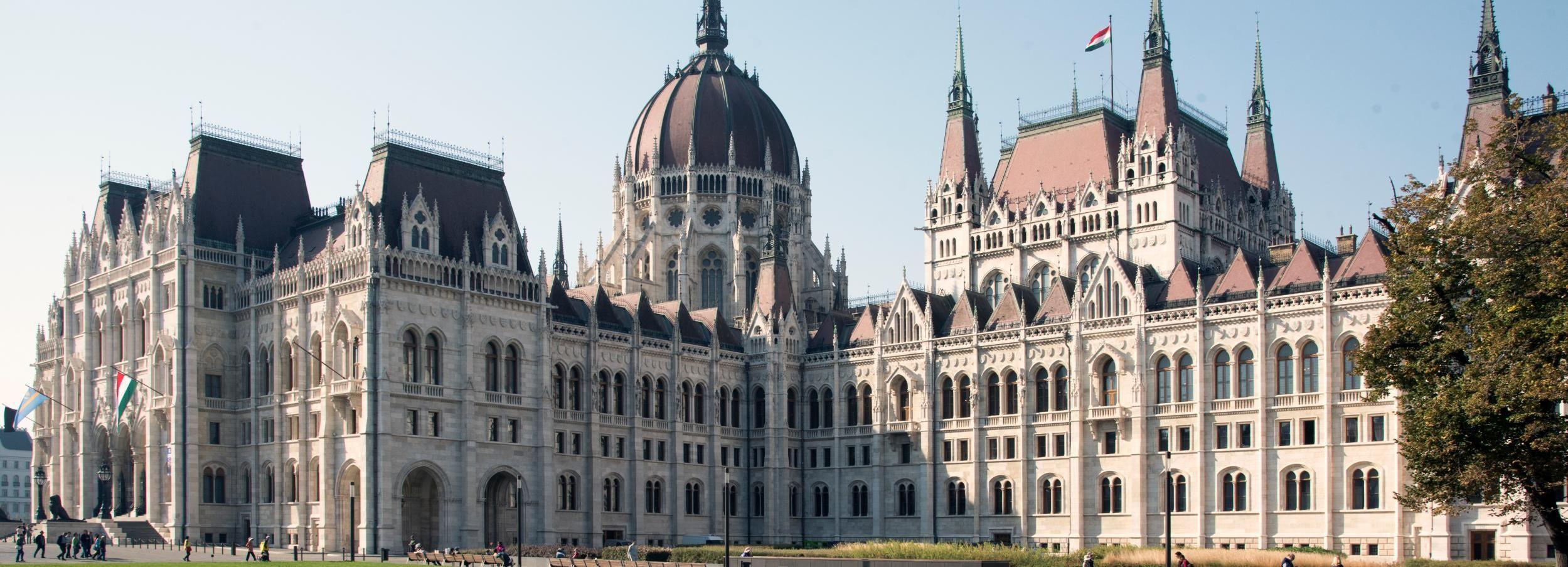 Budapest: Große Stadttour mit Parlamentsbesuch