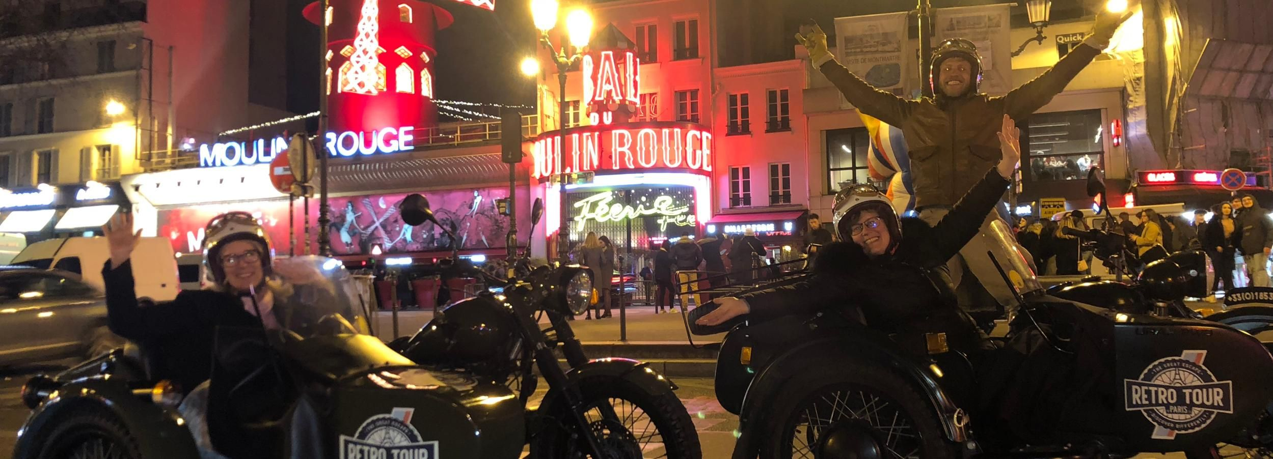 Paris: Romantic Sidecar Tour by Night with Champagne